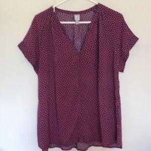 Nice JCPenney brand navy and burgundy top.  Sz XL